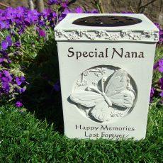 butterfly vase nana web